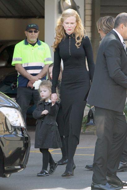 Nicole estuvo muy cerca de su marido Keith Urban y sus hijas, Sunday Ros...