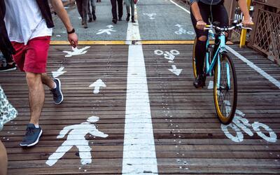 Especialmente en zonas atestadas de turistas como el puente de Brooklyn,...