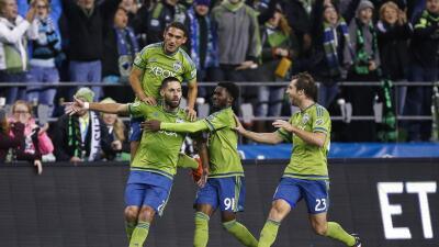 Seattle Sounders celebra gol de Clint Dempsey