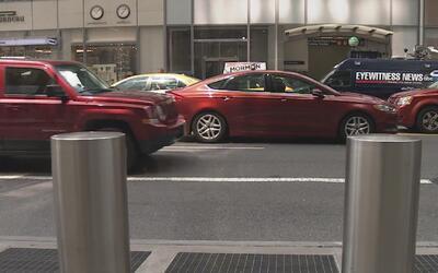 Piden instalar barras de seguridad en lugares de alto tránsito peatonal...