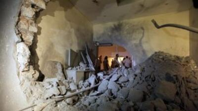 Así quedó la residencia de Muamar Gadafi, en las afueras de Trípoli, tra...