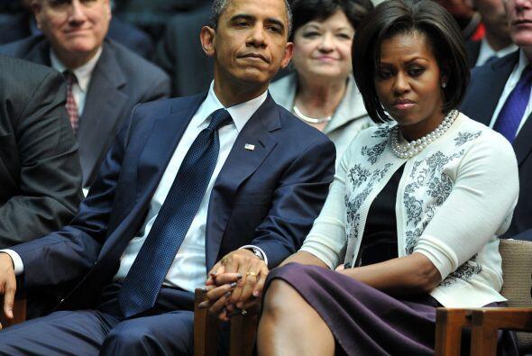 La primera dama, por momentos, no pudo contener las lágrimas y fue confo...