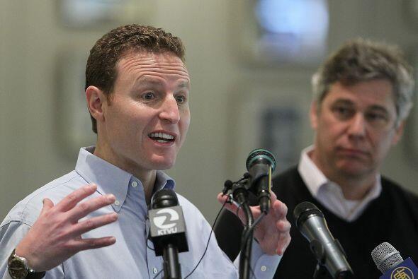 El director financiero de Facebook, David Ebersman, recibió un salario m...