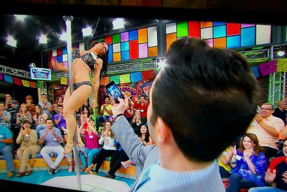 Una sorprendente bailarina que nos demostró sus habilidades en el tubo.