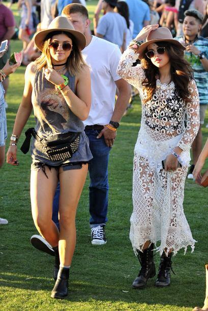 Selena Gomez sorprendió en el evento con un vestido completamente bordad...