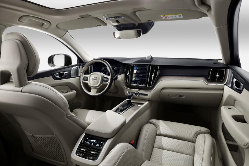 Las armas de la nueva Volvo XC60 son belleza y alta tecnología  205056_T...