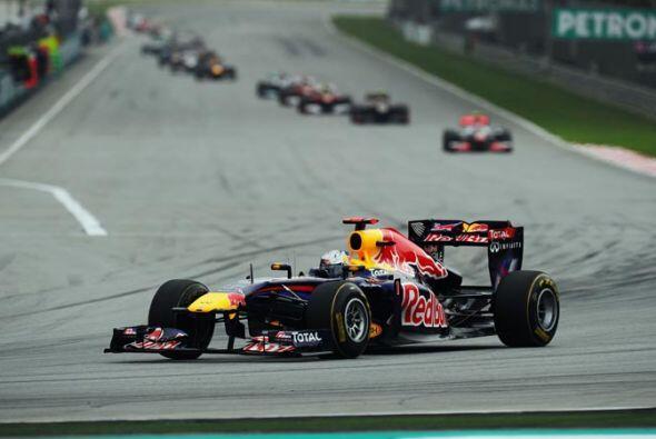 Vettel sacó varios segundos de ventaja antes de terminar la prime...