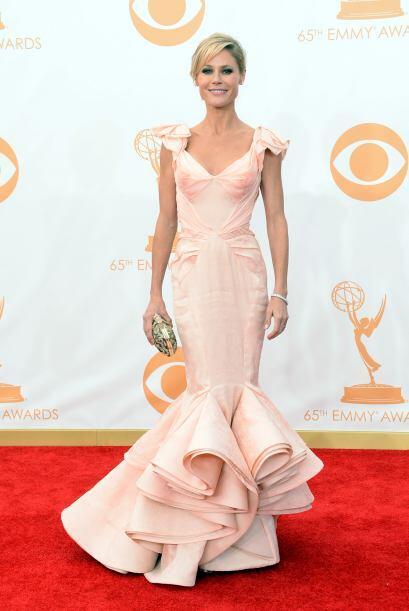 El vestido de Julie Bowen tampoco fue uno de los más espectaculares de l...