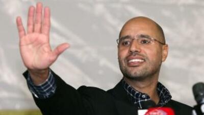 El hijo de Gadafi, Saif al Islam, que vivió durante varios años en Londr...