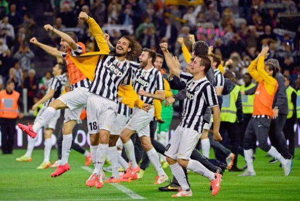 Italia: La Juventus de Turín selló el cuatro de mayo su trigésimo Scudet...