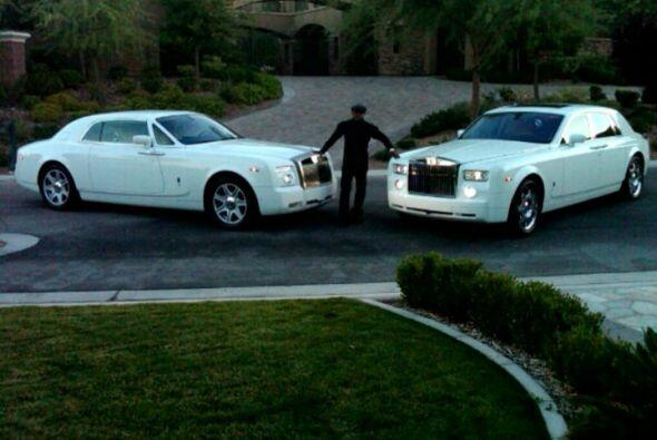 Rolls-Royce Drophead Coupe    Motor V12 6.75 Lts.  Potencia 453 HP  A...