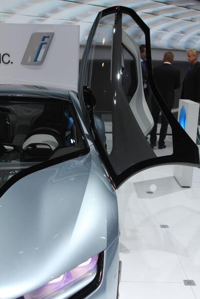 El nuevo BMW i8 y su hermano menor, el BMW i3 denominados autos Eco Pro...