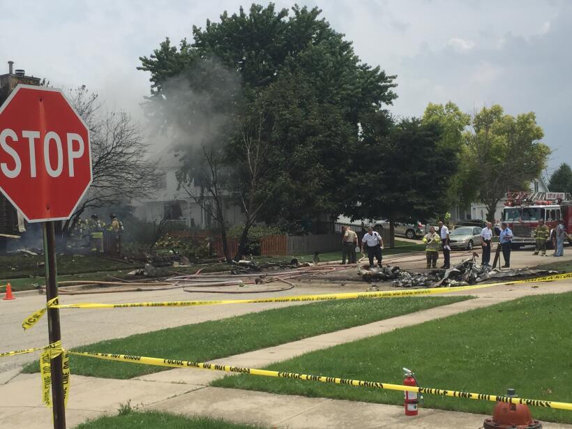 Cuadrillas de emergencia responden a accidente aéreo ocurrido en...