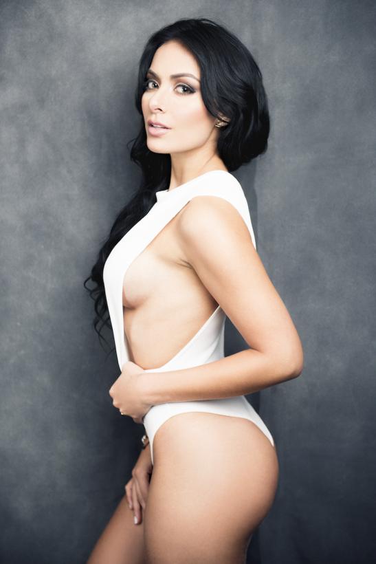 Apegada a su familia y al deporte, ella es la carismática colombiana Lau...