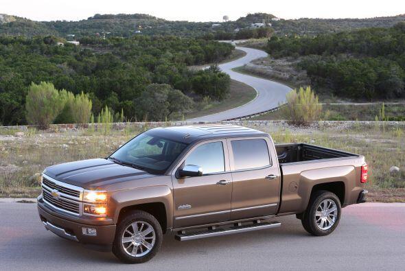 2- Chevrolet Silverado: El modelo más vendido de General Motors. Según l...