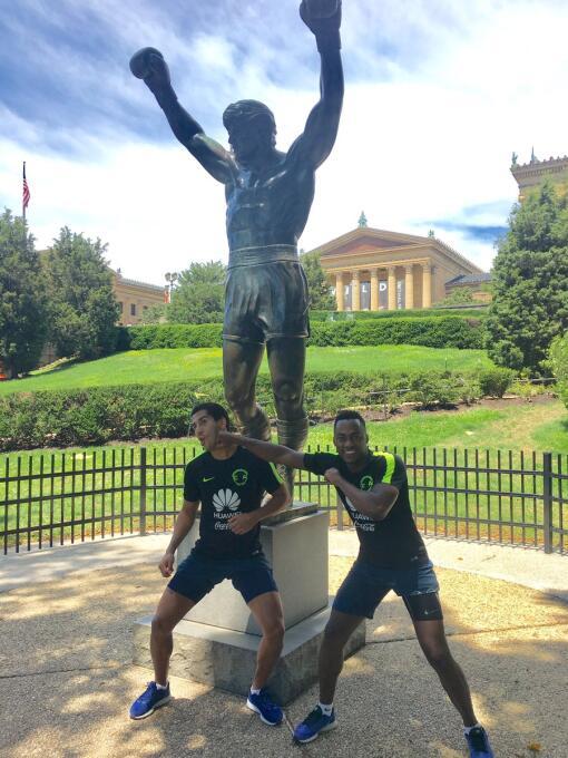 América visitó a Rocky Balboa en Philadelphia Rocky2.jpg