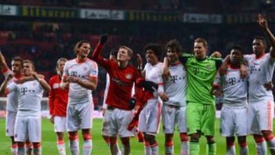 Los jugadores del Bayern de Múnich celebran tras vencer a Leverkusen.