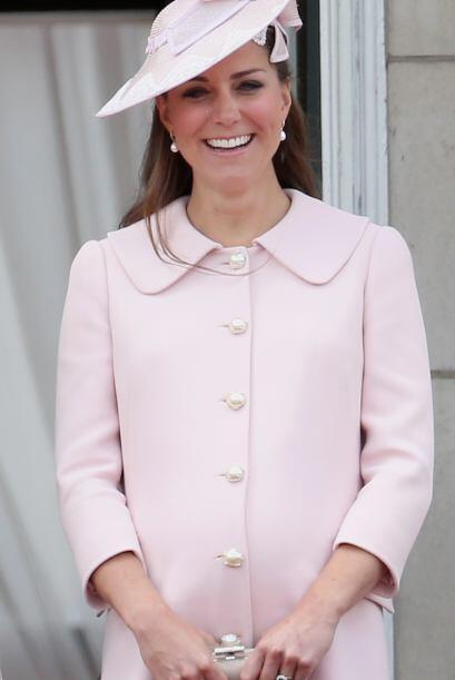 En el Reino Unido es muy popular este tipo de sombreros y Kate sabe perf...
