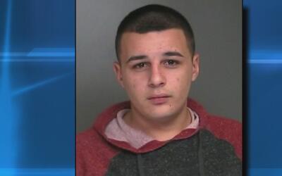 Arrestan a un hombre que conducía con una licencia que había sido suspen...