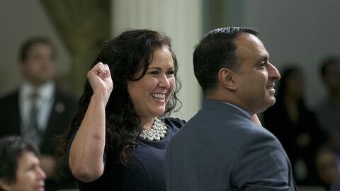 La demócrata Lorena González Fletcher, de San Diego, celeb...