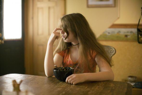 Esto lo sabe muy bien pues siendo muy pequeña fue sometida a dietas estr...