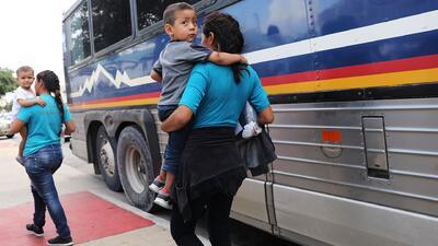 Activistas realizan una cadena de ayuno pidiendo la reunificación de familias migrantes separadas en la frontera