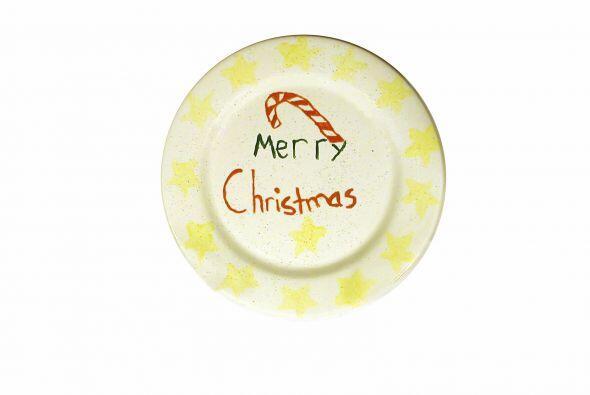 Platos de Navidad para la repisa. Un simple plato blanco puede ser el li...