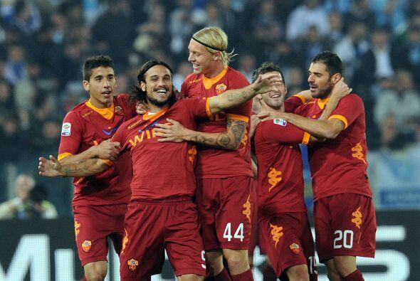 La Roma enfrentaba a la Lazio y fue el cuadro de 'La Loba' el que se ade...