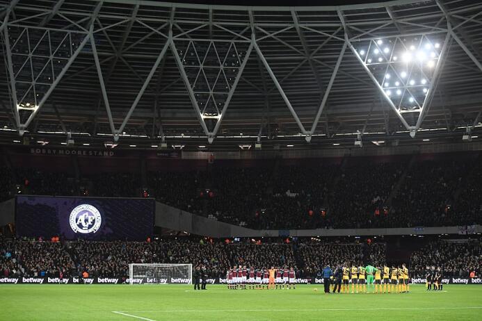 El mundo del fútbol homenajeó al Chapecoense