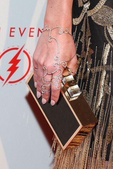 ¡Los anillos en red son otro 'must' en accesorios para las manos! Sus di...