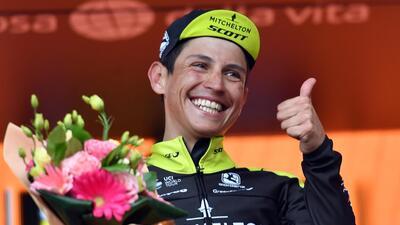 Colombiano Esteban Chaves ganó sexta etapa del Giro de Italia de ciclismo