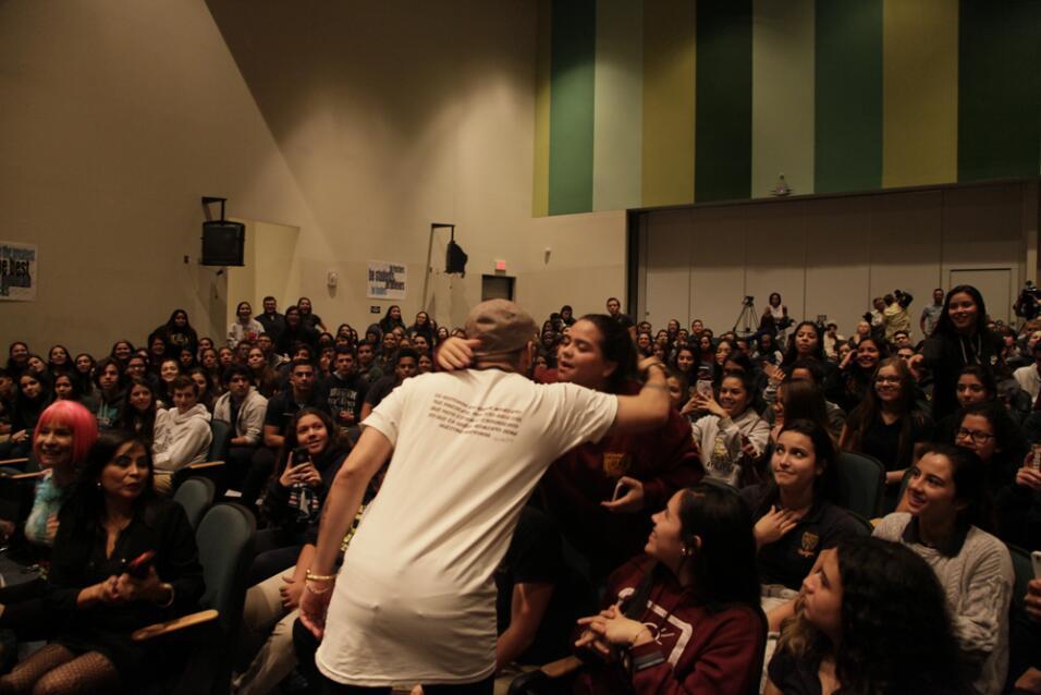 Chino y Nacho en Latin GRAMMY en las Escuelas