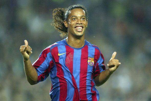 Su paso por el Barcelona lo encumbró como uno de los mejores jugadores d...