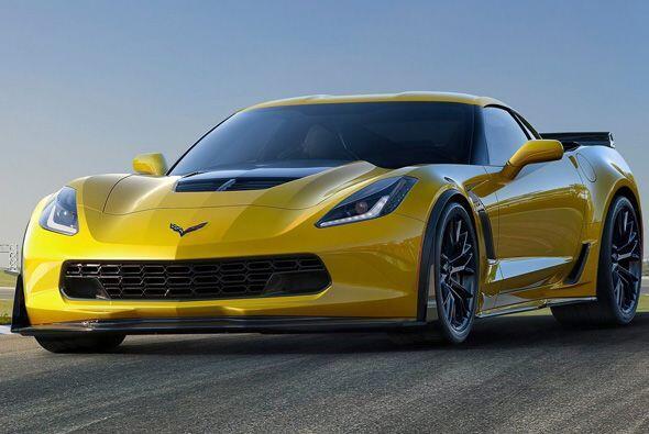 Como antes, el auto de carreras y el Z06 compartirán la misma pro...