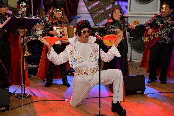 En la música, nos visitó el rey del Rock & Roll, Johnny Lozada se lu...
