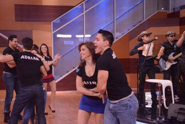Jonathan escogió a su bailarina preferida. ¿Habrá un romance en camino?