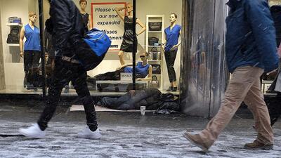 Una persona sin hogar en Nueva York el pasado invierno, durante una torm...