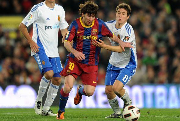 El partido seguía 0 a 0 hasta que Messi se escapó por derecha.