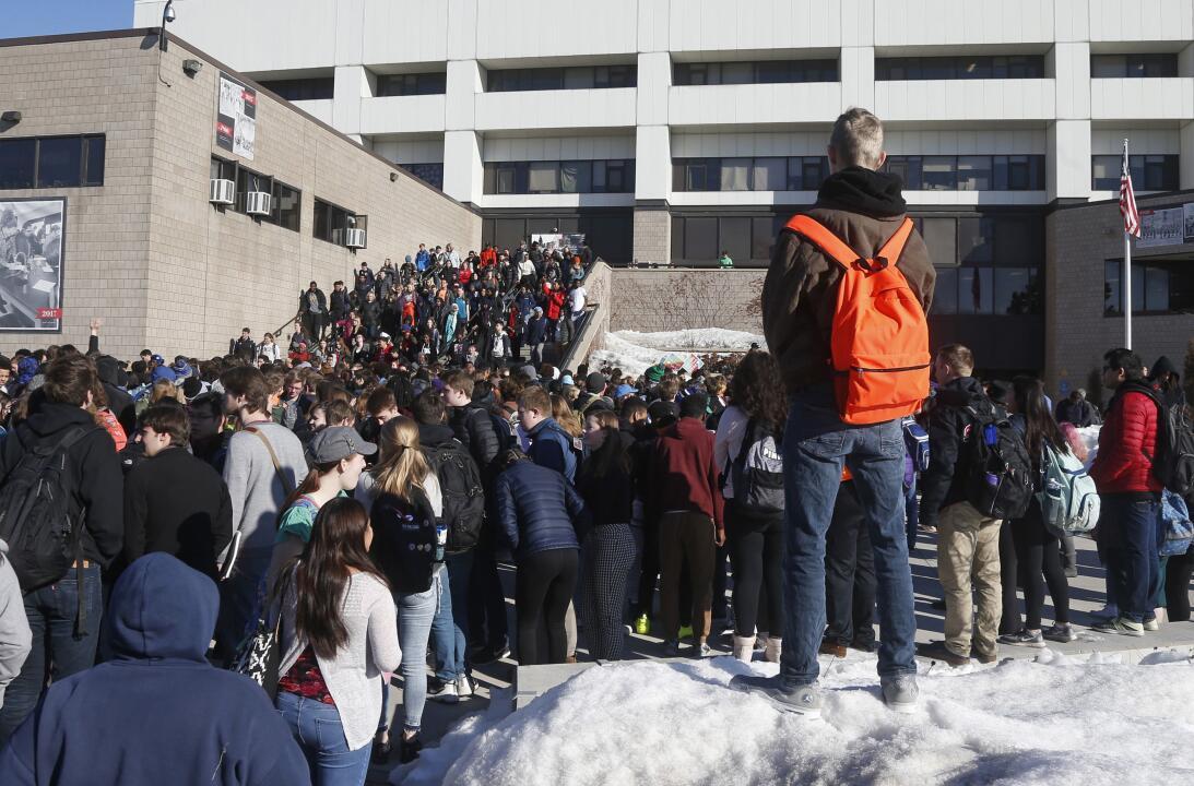 St. Paul, Minnesota. Los estudiantes de la secundaria Central en las cal...