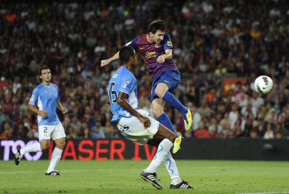 Messi tuvo una chance clara de cabeza pero su remate pegó en el palo.