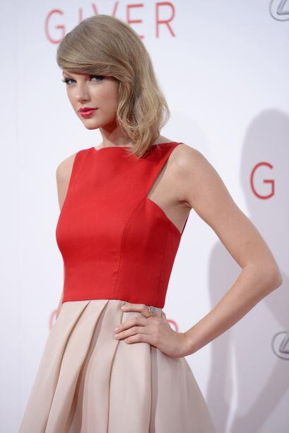 Estilo 'red carpet'.  Si  Taylor deslumbra para salir a la calle, seguro...