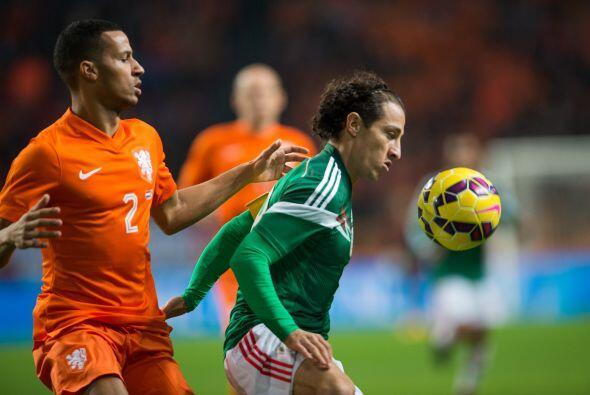 18 Andrés Guardado: Muy voluntarioso y participativo se vio al jugador d...
