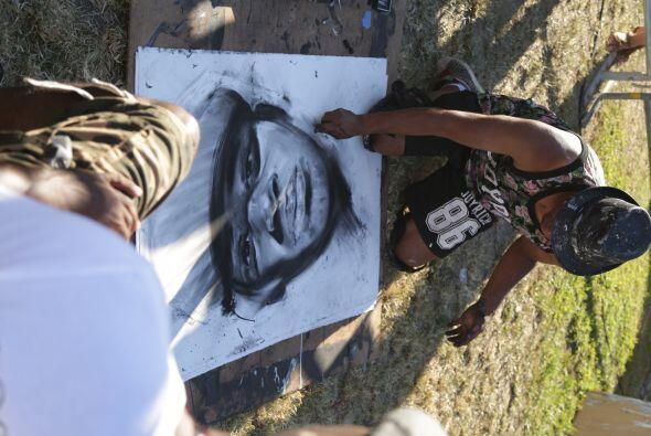 Tambien Robert Vargas nos compartia sus habilidades en grafito!