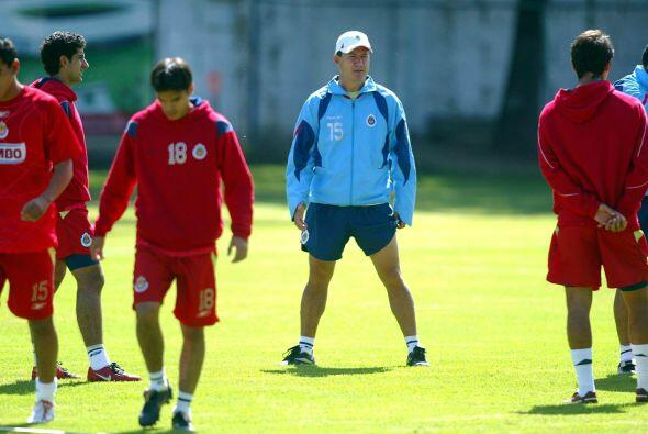 """Efraín Flores llegó en relevo del """"Chepo"""", pero fue despedido en el actu..."""