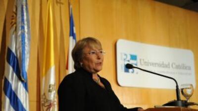 La ex presidenta chilena, Michelle Bachelet respaldará seguridad laboral...