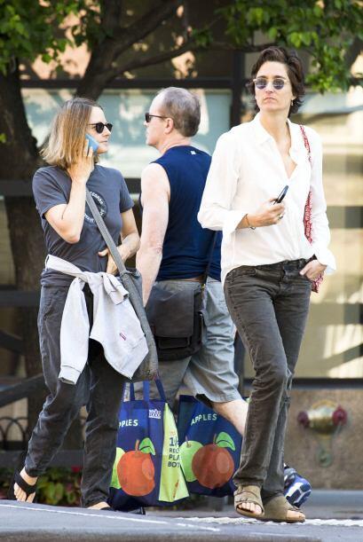 La pareja fue captada dando un paseo por la Gran Manzana. Más videos de...