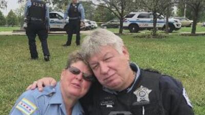 Oficial de policía que fue rescatado de un incendio en el noroeste de Chicago se recupera satisfactoriamente