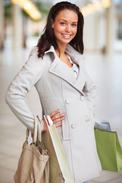 Abrigo de lana oversized. La estilista y blogger Natalie Joos aseguró a...