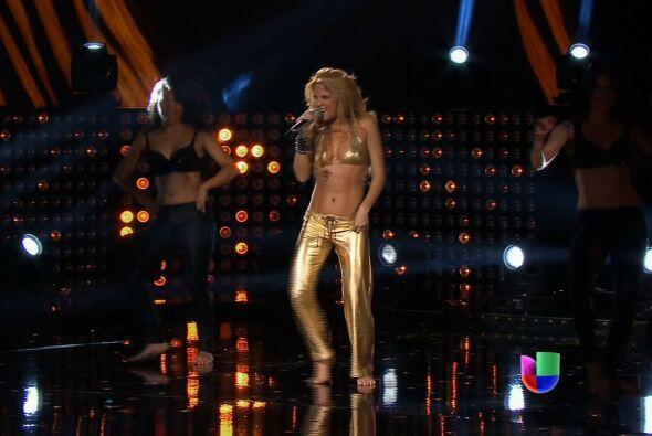 Shakira se metió a la máquina del tiempo.