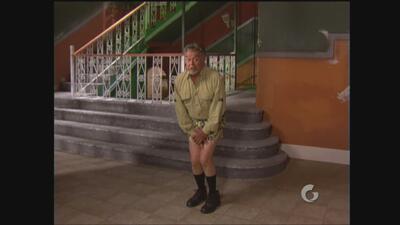Vecinos | A Don Roque se le olvidó ponerse pantalones